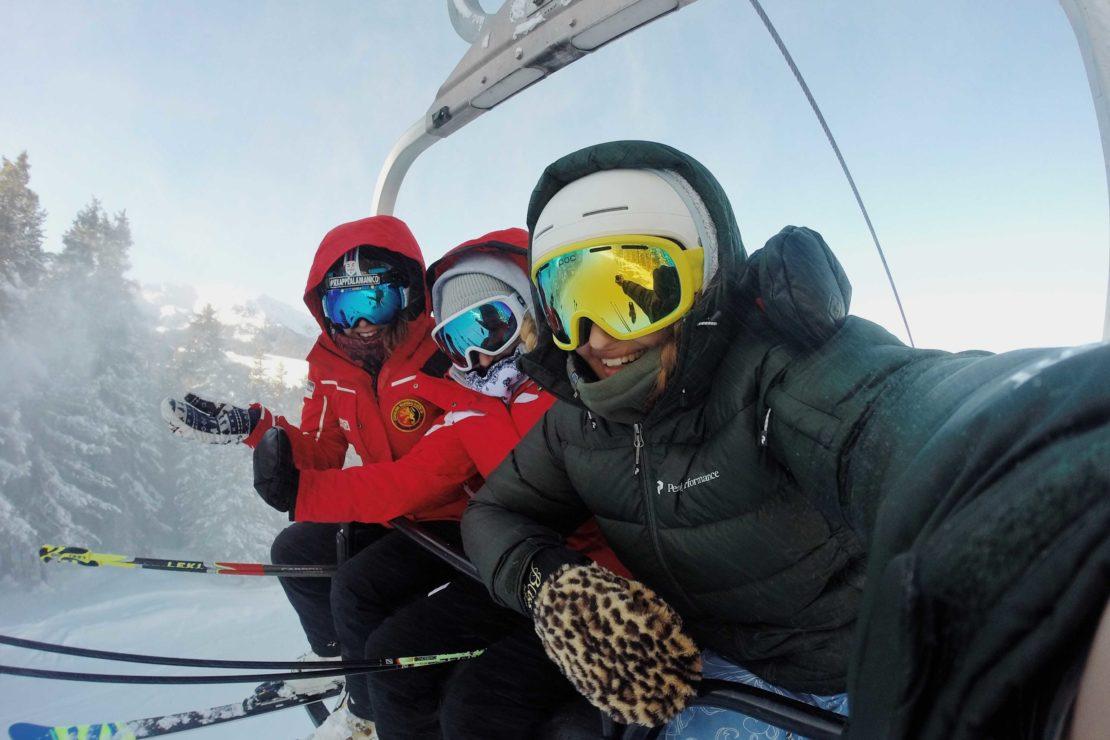 Dentuso Masque de Ski Adulte Protection UV 2 Couches Anti-bu/ée Lunette de Ski pour Hommes Femmes Verres avec Interchangeables Sph/ériques sans Cadre Rempla/çables Lens pour Ski Snowboard-Argent