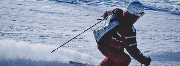 Visuel ambiance casque de ski action